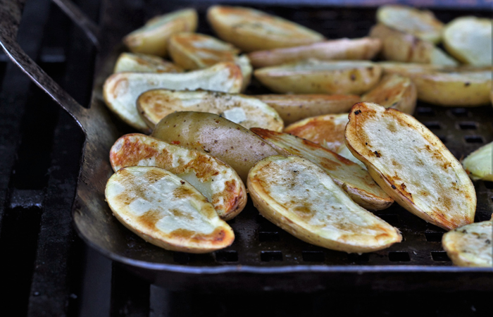 grilled potato fingerlings | Tasteworkshop.com