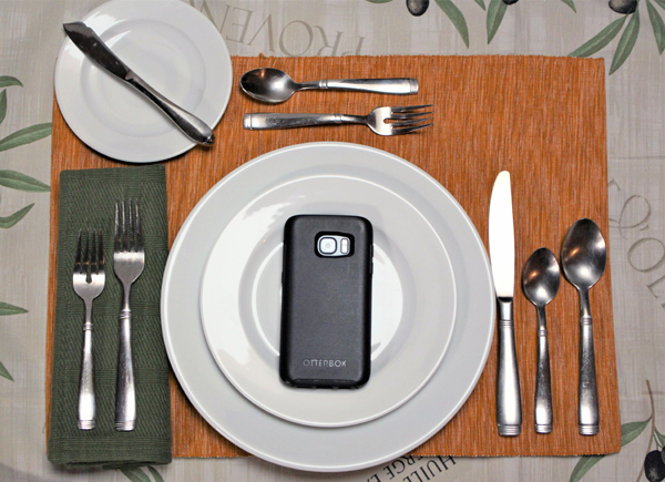 Cell Phone Digital Dining Table setting with phone